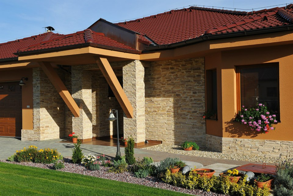 Inovovat dům kamenem můžete i v zimě