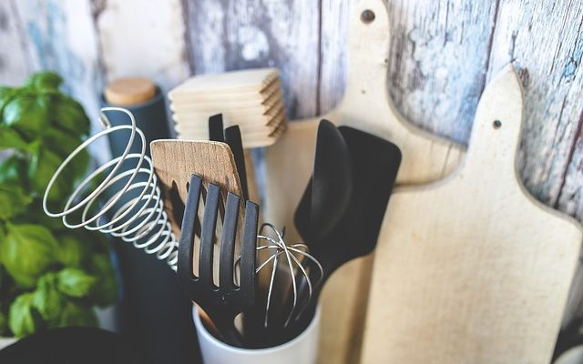 Do nové kuchyně na míru spotřebiče se 45 % slevou? Je to možné!