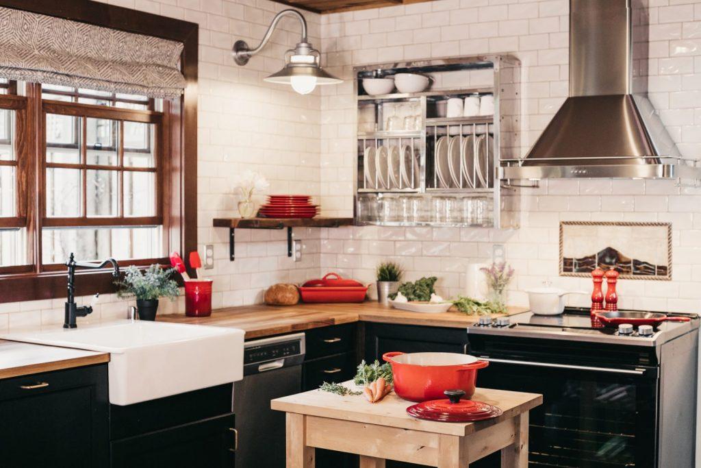 Jak si zorganizovat kuchyňské skříňky? Pomůže drátěný program