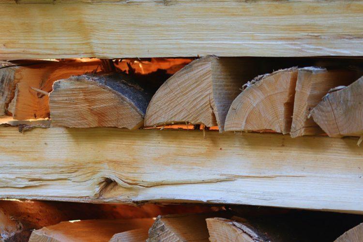 Wood Firewood Combs Thread Cutting  - manfredrichter / Pixabay